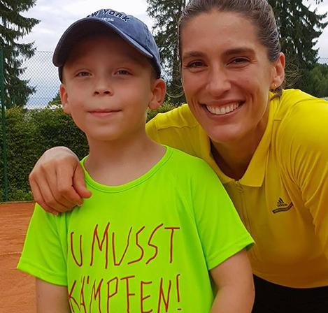 Max und Andrea beim KIDS-Tennis
